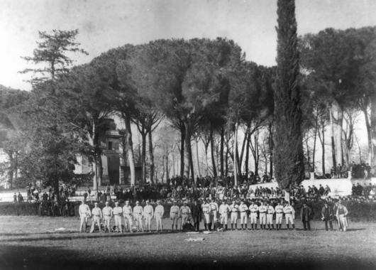 Group of American baseball players assembled in the garden of the Villa Borghese in Rome. BL-4229.99
