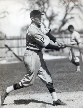 Pie Traynor batting - BL-3728-70c (National Baseball Hall of Fame Library)