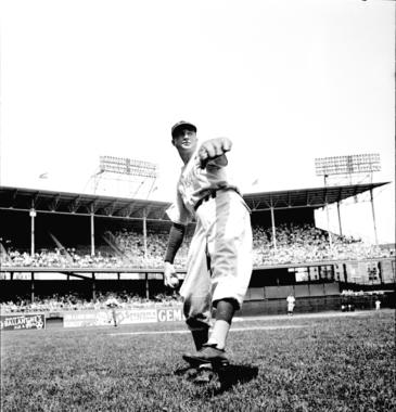 """William """"Bucky"""" Walters throwing a ball around. BL-231.54.14 (Look Magazine / National Baseball Hall of Fame Library)"""