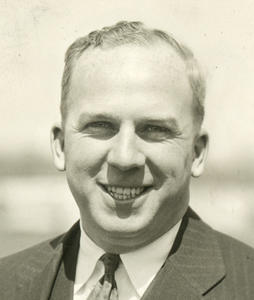Giles, Warren