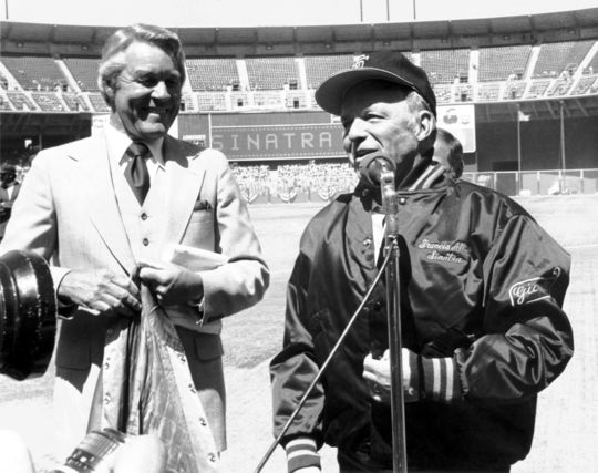 2004 Ford C. Frick Award Winner Lon Simmons with Frank Sinatra (National Baseball Hall of Fame Library)