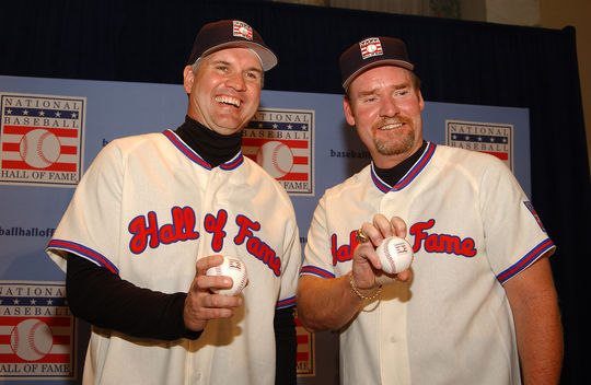 Ryne Sandberg (left) and Wade Boggs pictured during the press conference announcing they were elected to the Hall of Fame by the BBWAA as the Class of 2005. (Milo Stewart Jr. / National Baseball Hall of Fame)
