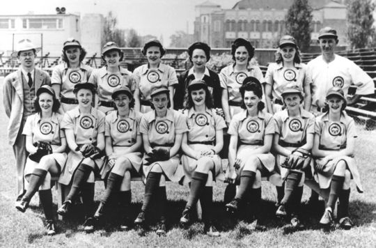 The Kenosha Comets, pictured above in 1943. (National Baseball Hall of Fame and Museum)