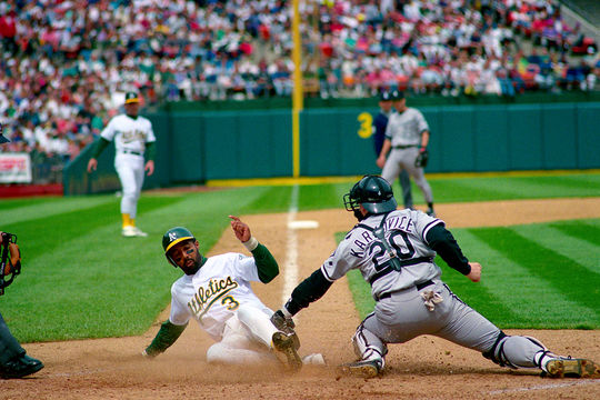 Harold Baines was traded to Oakland in 1990, and helped the A's win the AL pennant that year. (Brad Mangin / National Baseball Hall of Fame)