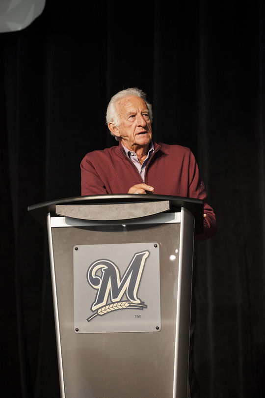 Bob Uecker speaks at a Brewers On Deck event held at the Wisconsin Center on January 26th, 2014 in Milwaukee.  (Sara Stathas/Milwaukee Brewers)