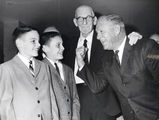 Warren Brown honored with testimonial dinner at Congress Pick Hotel on September 8, 1964. Brown's grandson's Patrick Brown and Mike Brown with Charley Grimm of the Chicago Cubs - BL-4391-76 (National Baseball Hall of Fame Library)