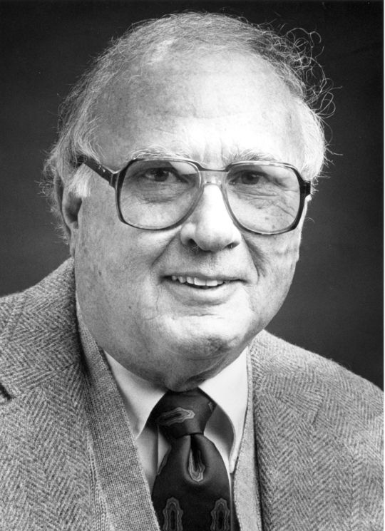 1985 J.G. Taylor Spink Award Winner Earl Lawson (National Baseball Hall of Fame Library)
