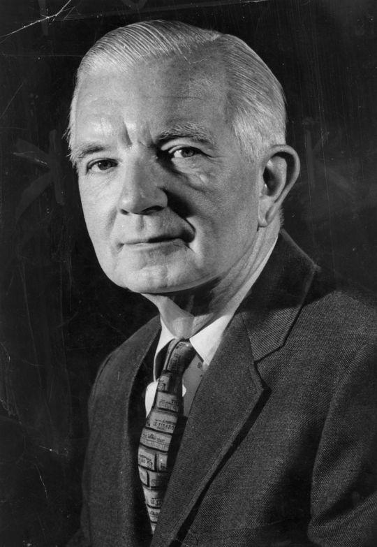 1977 J.G. Taylor Spink Award Winner Edgar Munzel (National Baseball Hall of Fame Library)