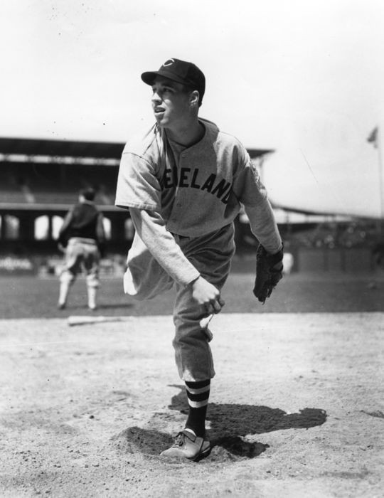 "Bob Feller started the Oct. 24, 1945, game between the Kansas City Royals and Kent Parker's Major and Minor League All-Stars. <a href=""http://collection.baseballhall.org/islandora/object/islandora%3A319548"">PASTIME</a> (National Baseball Hall of Fame and Museum)"