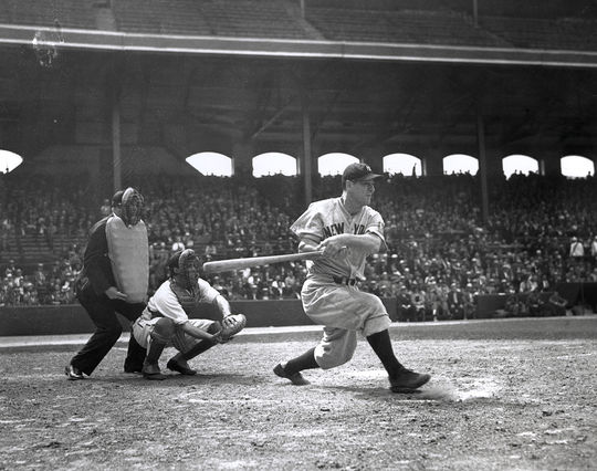 By the time of Lou Gehrig's 2000th consecutive appearance, he had scored 1,785 runs, recorded 2,559 hits and averaged .323. (National Baseball Hall of Fame and Museum)