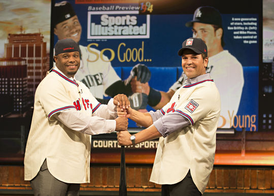 Class of 2016 electees Ken Griffey Jr. (left) and Mike Piazza re-create their classic 1994 <em>Sports Illustrated</em> cover at the MLB Network studios in Secaucus, N.J. (Jean Fruth / National Baseball Hall of Fame)