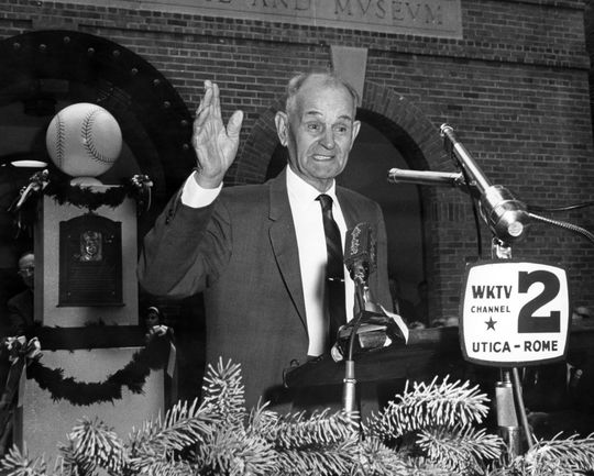 Elmer Flick giving his acceptance speech during the 1963 Hall of Fame Induction Ceremony. (National Baseball Hall of Fame Library)