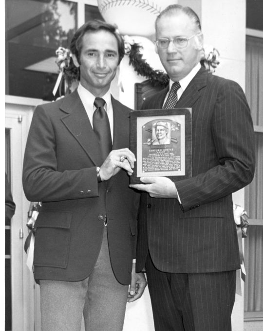 Sandy Koufax, left, during the National Baseball Hall of Fame's 1972 Induction Weekend Ceremony. BL-3691.86 (National Baseball Hall of Fame Library)