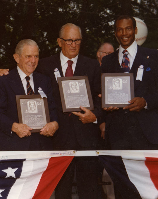 Al Lopez stands between Ernie Banks (right) and Joe Sewell at the 1977 Hall of Fame Induction Ceremony in Cooperstown. Lopez passed away on Oct. 30, 2005, living to be the oldest Hall of Famer at 97 years and 71 days before Bobby Doerr surpassed that mark on June 18, 2015. BL-1206-92 (National Baseball Hall of Fame Library)