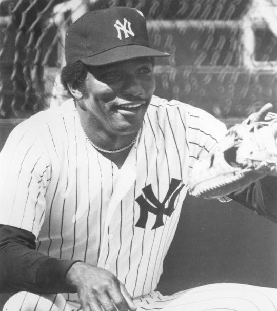 New York Yankee Elrod Hendricks. BL-2548-77 (National Baseball Hall of Fame Library)