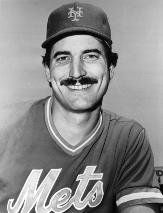 """Mets first baseman Keith Hernandez makes multiple appearances on <em> Seinfeld</em>, including one in """"The Boyfriend,"""" an episode in which he dates Elaine Benes. (National Baseball Hall of Fame)"""