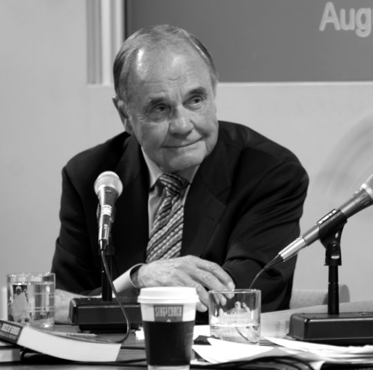Dick Enberg participates in the Museum's <em>Voices of the Game</em> program. (Milo Stewart, Jr. / National Baseball Hall of Fame)