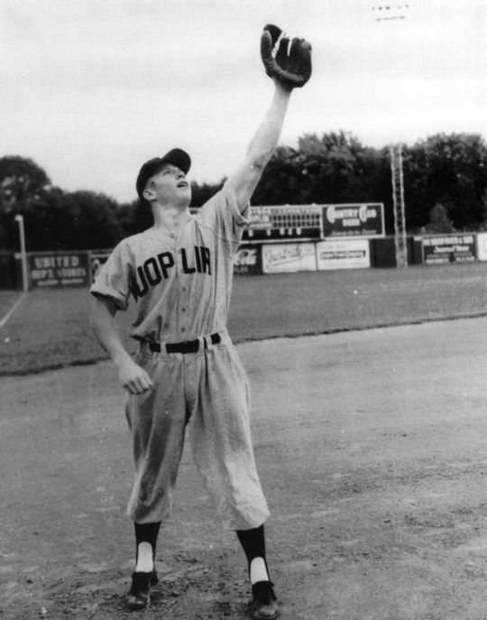 Mickey Mantle played for the Janis Minors before being signed by the New York Yankees in 1951. BL-2155.2001