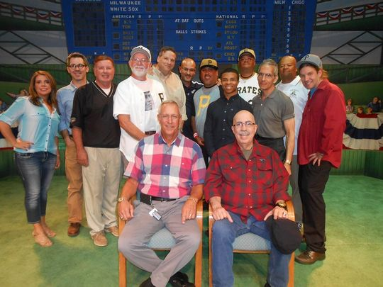 Former big league pitcher Jon Matlack (front left) poses for a photo with Roberto Clemente fans and Mets fans following a program at the National Baseball Hall of Fame and Museum on Sept. 19.