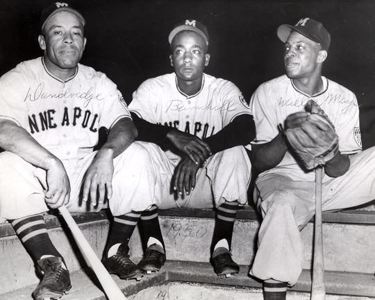 Ray Dandridge, Dave Barnhill and Willie Mays of the Minneapolis Millers. BL-491.72