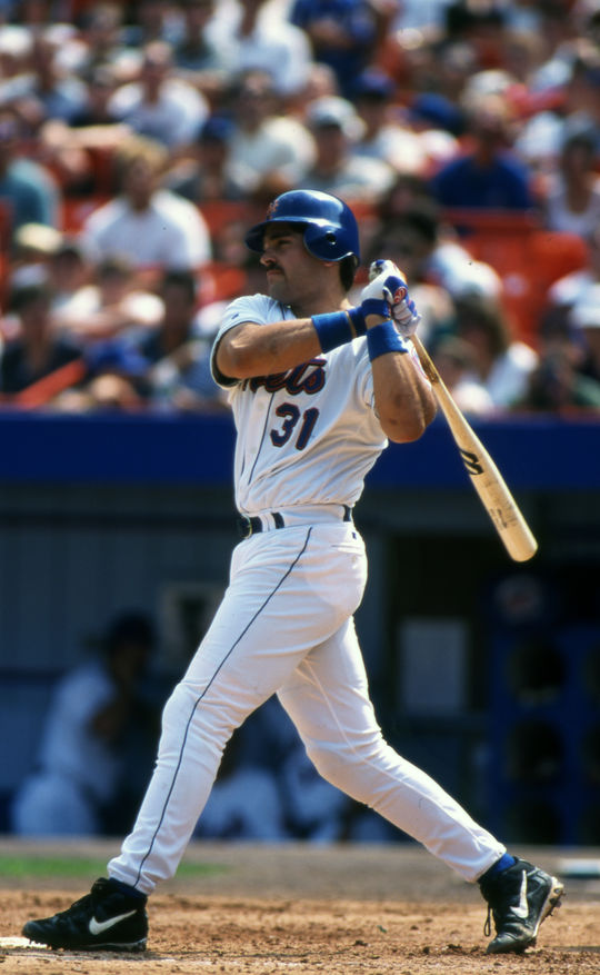 Mike Piazza of the New York Mets at bat in 1996. BL-194-99 (Michael Ponzini / National Baseball Hall of Fame Library)