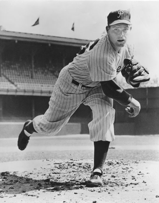 Robin Roberts led all of baseball in complete games from 1952-1956. (National Baseball Hall of Fame and Museum)