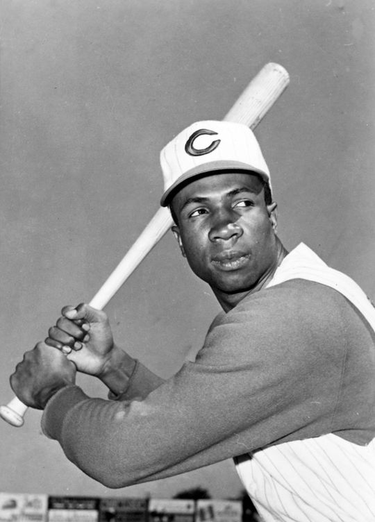 Frank Robinson of the Cincinnati Reds posed with a bat in 1962. BL-366.62 (National Baseball Hall of Fame Library)
