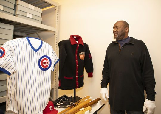 Newly-elected Hall of Famer Lee Smith explores the Museum's collection during his Feb. 5 Orientation Visit. (Milo Stewart Jr./National Baseball Hall of Fame and Museum)