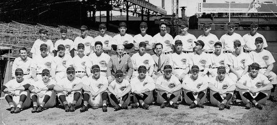 The 1941 Cinncinnati Reds. BL-7048.70 (National Baseball Hall of Fame Library)
