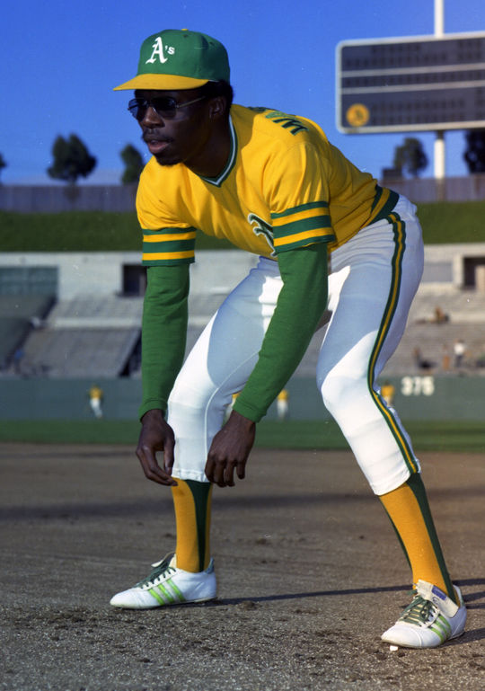 Topps photographer Doug McWilliams took this shot of Oakland A's pinch runner Herb Washington. A similar photo was used on Washington's 1975 Topps card. (Doug McWilliams/National Baseball Hall of Fame and Museum)