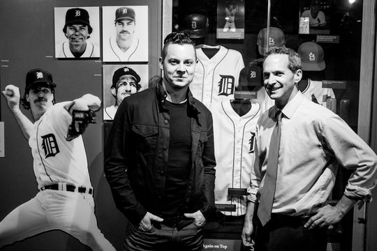 Jack White with Hall of Fame president Jeff Idelson.