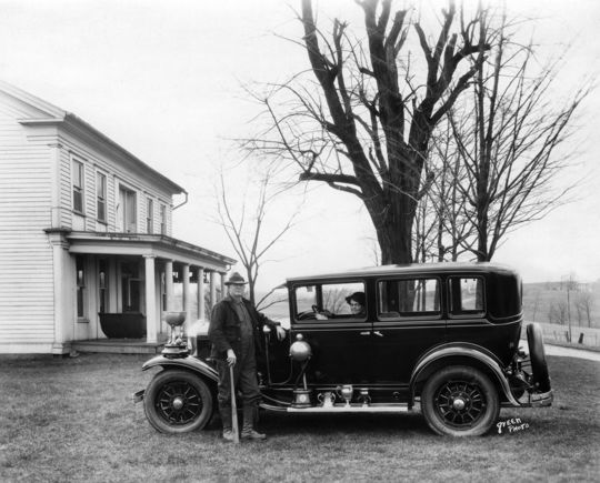 Cy Young, pictured with his wife, at their home in Newcomerstown, Ohio. When his wife died in 1933, Young moved in with John and Ruth Benedum, the parents of Jane Benedum. (National Baseball Hall of Fame and Museum)