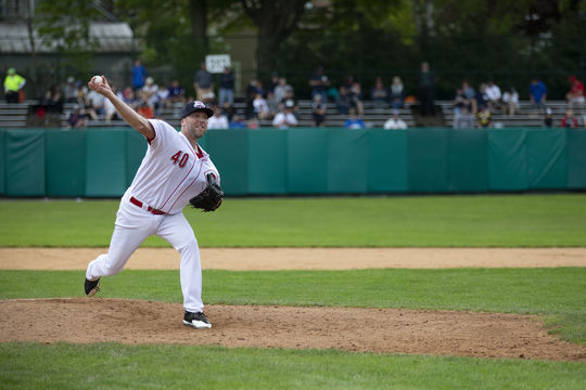 Brett Tomko pitching at Doubleday Field during the 2019 Hall of Fame Classic. (Milo Stewart Jr./National Baseball Hall of Fame and Museum)