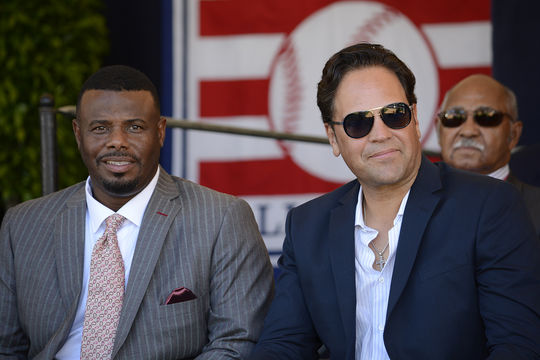Soon-to-be inductees Ken Griffey Jr. and Mike Piazza, pictured above during the Hall of Fame's <em> Awards Presentation </em>, will be inducted tomorrow afternoon at Clark Sports Center. (Milo Stewart Jr. / National Baseball Hall of Fame)