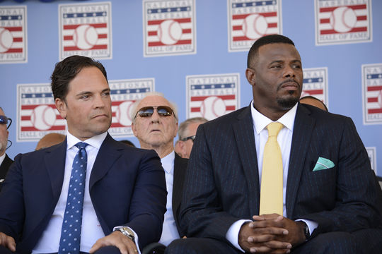 Mike Piazza and Ken Griffey Jr. sit on the <em> Induction Ceremony </em> stage at Clark Sports Center before giving their speeches. (Milo Stewart Jr. / National Baseball Hall of Fame)
