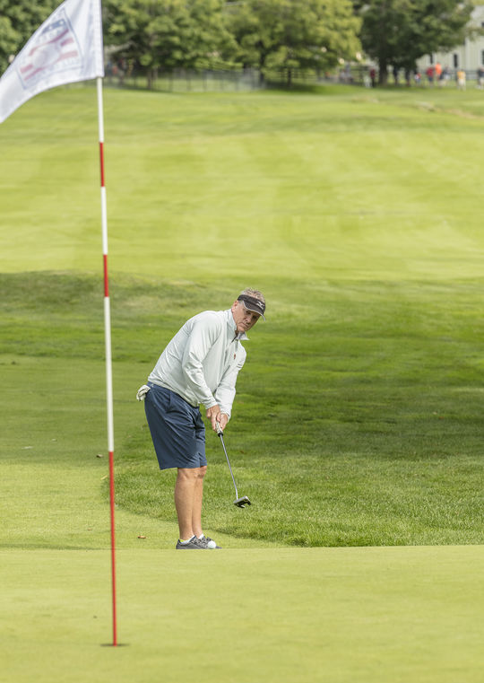 Tom Glavine putts during the 2017 Hall of Fame Golf Tournament at the Leatherstocking Golf Course. (Milo Stewart Jr. / National Baseball Hall of Fame and Museum)