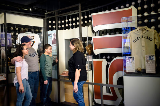 """Family enjoying the """"One for the Books"""" exhibit. (Mitch Wojnarowicz/National Baseball Hall of Fame and Museum)"""
