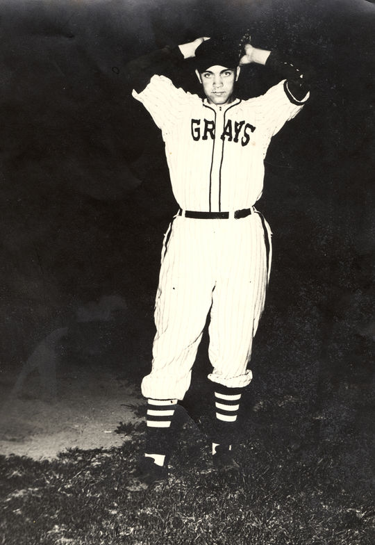 Wilmer Fields, Homestead Grays - BL-2215-78 (National Baseball Hall of Fame Library)