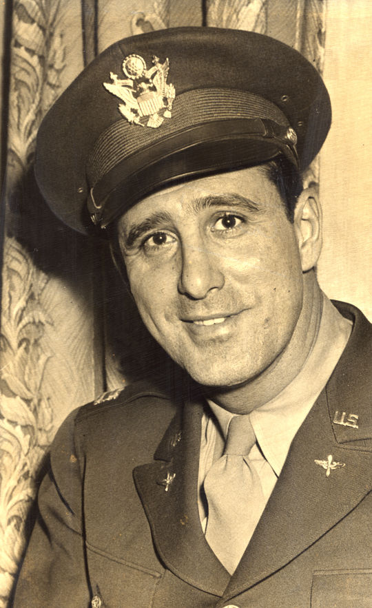Captain Hank Greenberg, Army Air Corps - BL-723-63 (National Baseball Hall of Fame Library)
