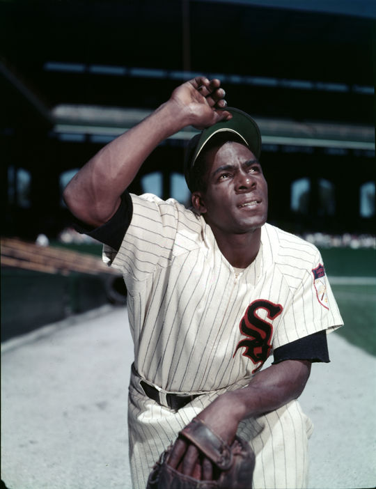 Minnie Minoso of the Chicago White Sox - BL-279-60d (Look Magazine/National Baseball Hall of Fame Library)