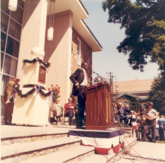 Satchel Paige presenting his induction speech, Cooperstown, NY, August 9, 1971 (National Baseball Hall of Fame Library)