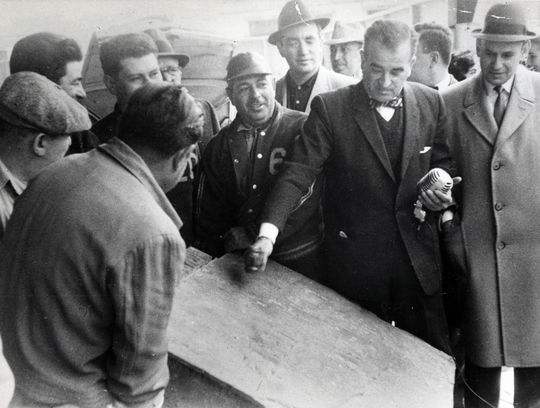 Saul Leisner auctions off Ebbets Field's cornerstone, April 24, 1960 – BL-4792-73 (National Baseball Hall of Fame Library)