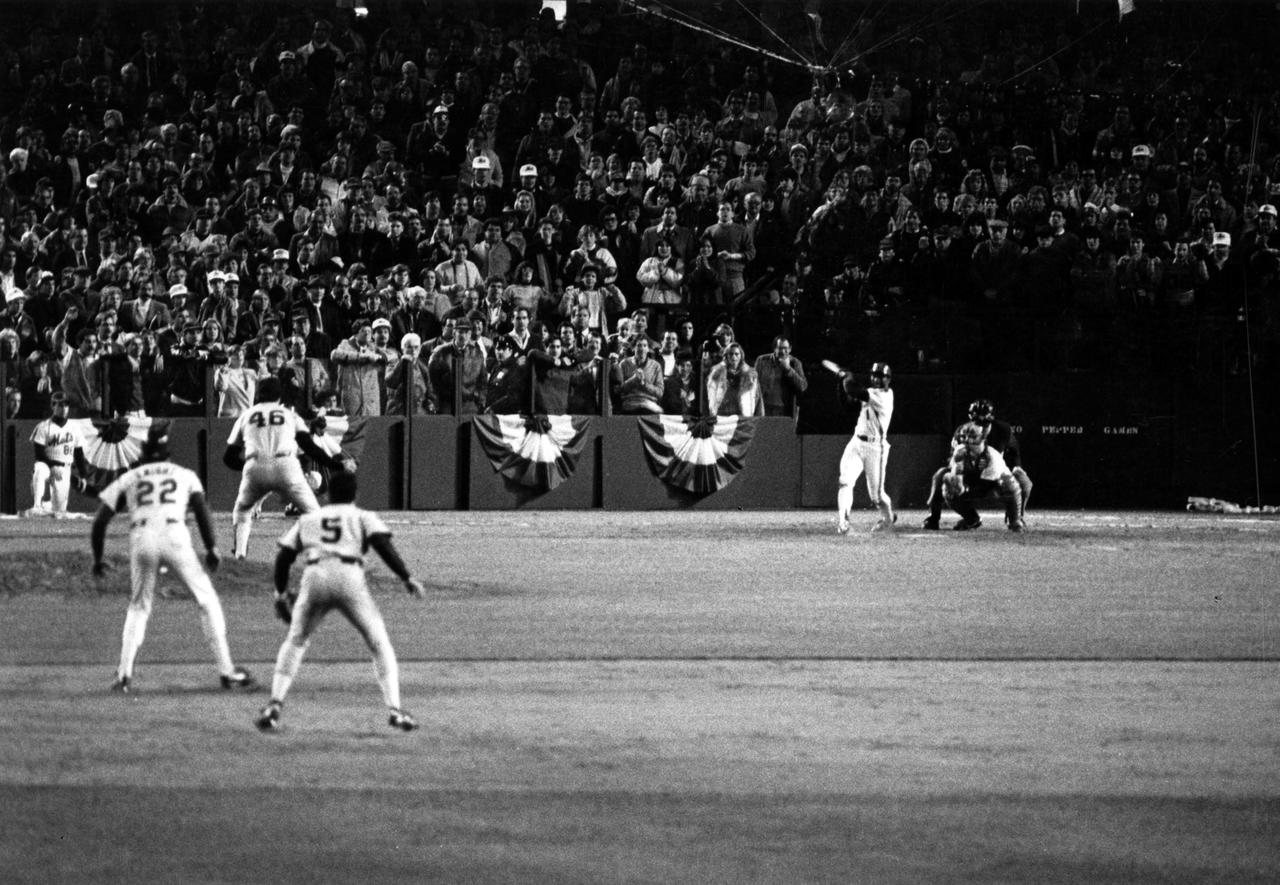 Buckner Play - 1986 World Series Game 6