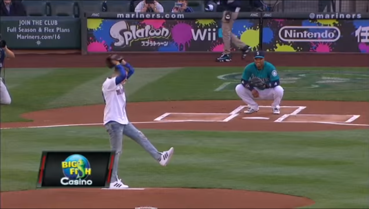 Macklemore throws first pitch prior to game