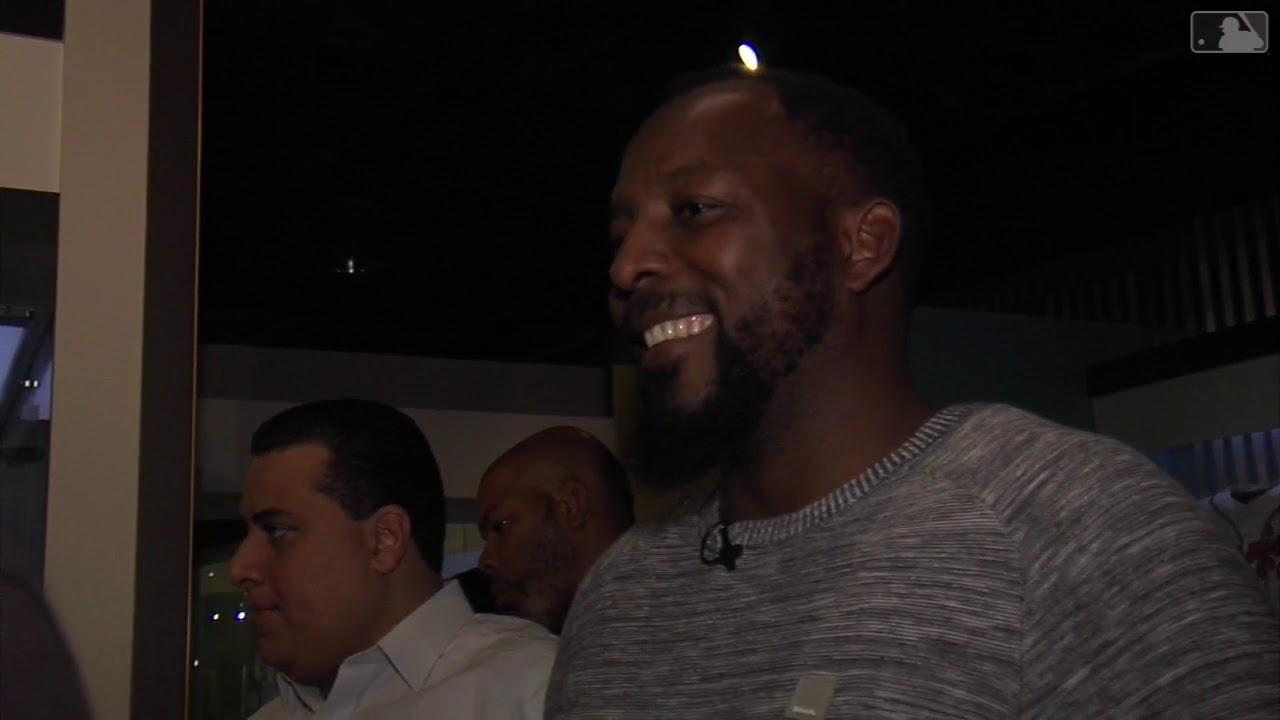 Vladimir Guerrero tours the Hall of Fame